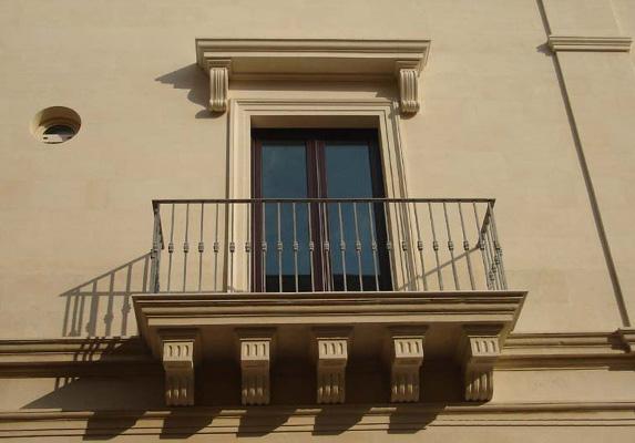 Imbotti porte e finestre pietra leccese carparo - Hermes porte e finestre srl ...