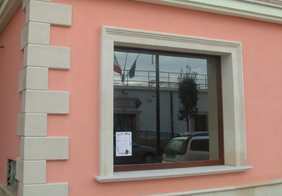 Imbotti porte e finestre pietra leccese carparo - Ristrutturare porte e finestre ...